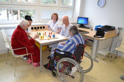 Pacientům s demencí pomáhá v Jesenické nemocnici bazální stimulace