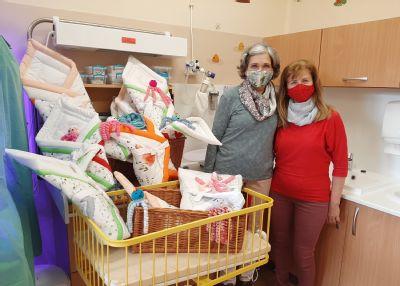 Jesenická nemocnice se navzdory epidemii ponořila do předvánoční atmosféry, vpředstihu již obdržela první dárečky